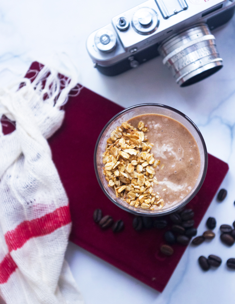 Power Breakfast Smoothie with Granola