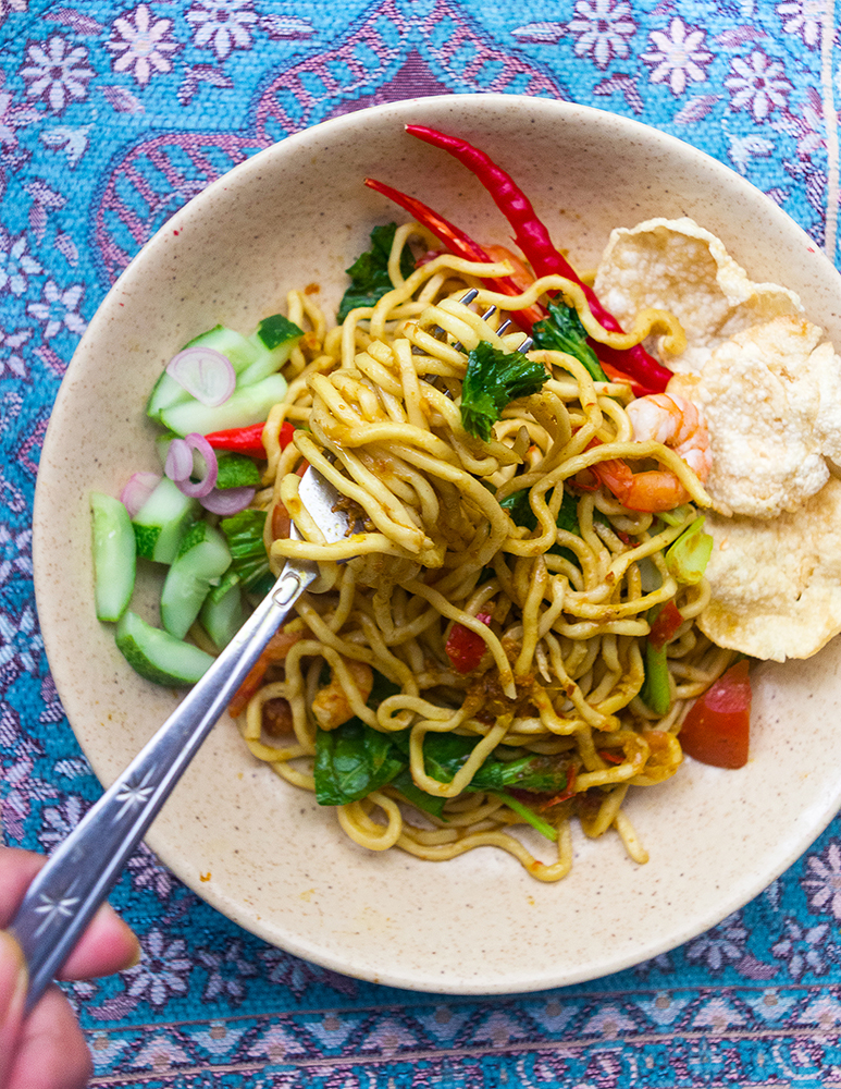 Mie Goreng Aceh (Acehnese Curried Fried Noodles)