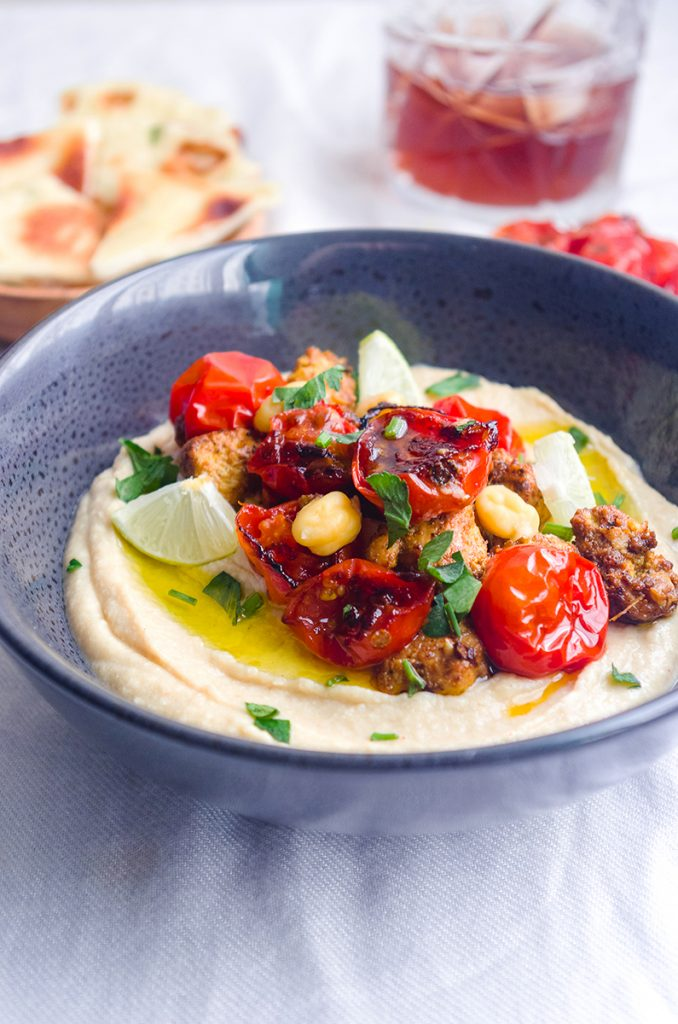 Hummus with Yogurt Chicken and Tomato
